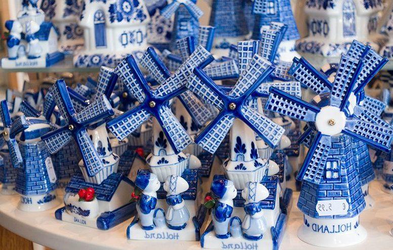 Какие сувениры привезти из Амстердама: 7 оригинальных идей