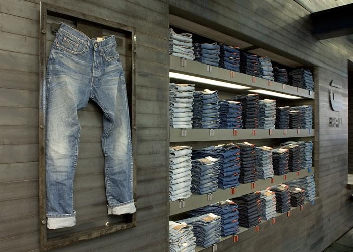 что привезти из амстердама джинсы
