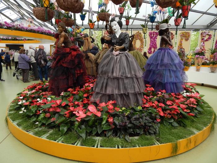кекенхоф 2019 маникены с цветами