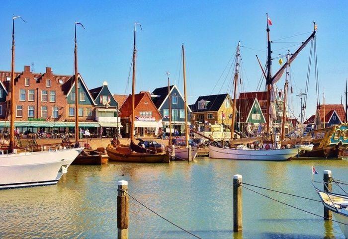 куда поехать из Амстердама