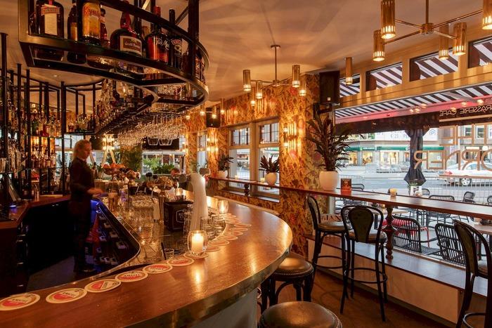 факты об амстердаме бары и кафе