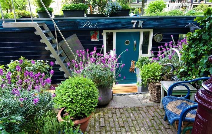 плавучие дома с цветами