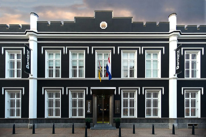 отель тюрьма Рурмонд