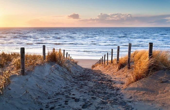 пляжи в Нидерландах летом
