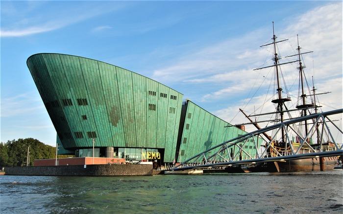 смотровые площадки амстердама Музей науки «NEMO»