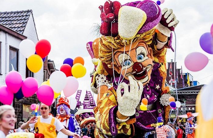 парад цветов в Зюндерте