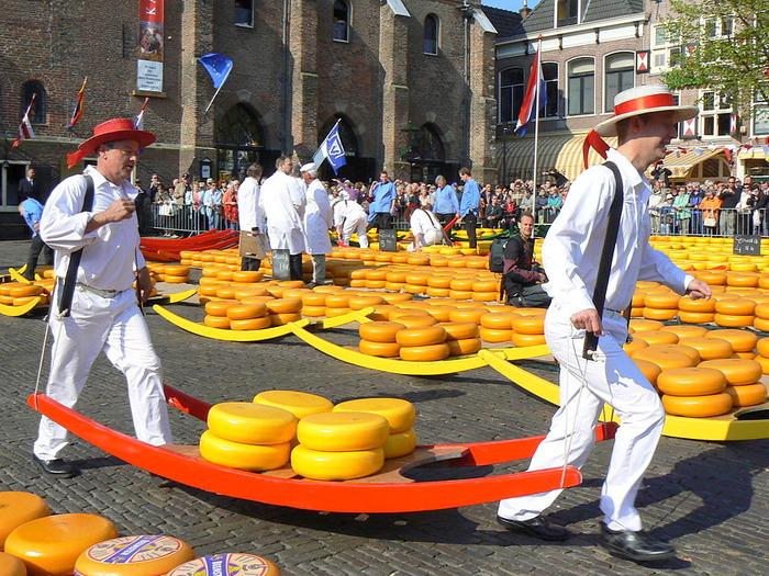 съездить из Амстердама в Эдам