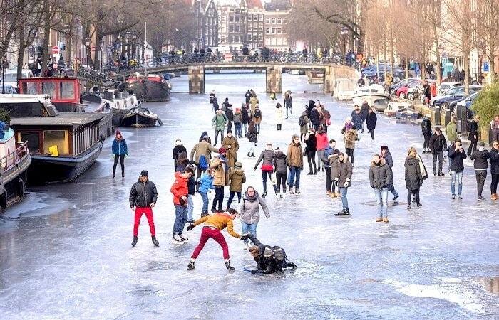 Амстердам зимой каток в амстердаме