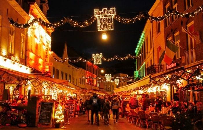 Валкенбург рождественский рынок на улице